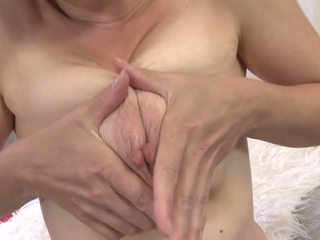 Amateur Mature Mom with Hairy Cunt and Saggy Tits: Porn 07