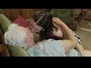 おばあちゃん teaching 若い のために レズビアン bvr