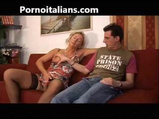 Italiano sgualdrina fucks mamma con figlio - mamma italiana troia scopa con figlio italia