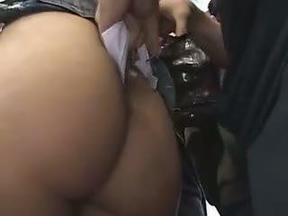 Verlegen schoolmeisje reluctant trein orgasme