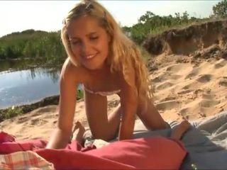 innocent amateur teen, fafanje, plaža