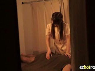 Ezhotporn.com - drobounký japanaese coura looks pro pohlaví