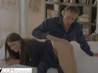Tushy deri ters grup seks gets sauna tarafından professor