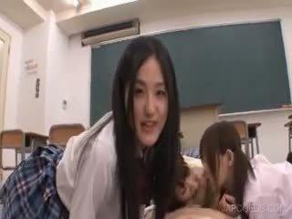 Asian Teen Showins Butt Upskirt
