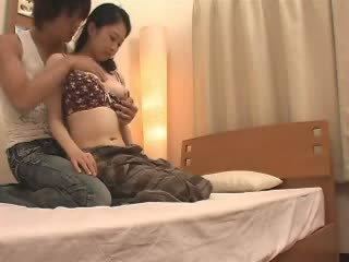 Japans mam likes haar stepson een hoop video-