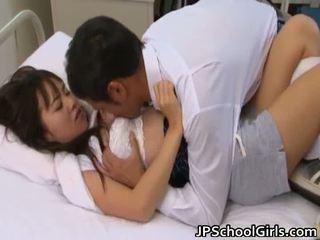 性交性爱, 大山雀, 年轻的小亚洲人