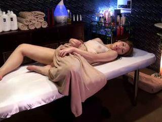 Mosaic: 전문 대학 소녀 reluctant 오르가슴 로 masseur