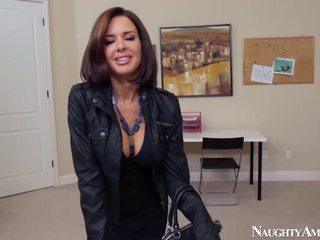 Wife Veronica Avluv Pecker Onto Erotic America