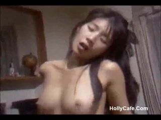Giapponese mamma scopata suo marito