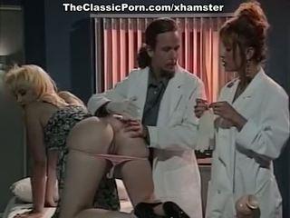 Κλασσικό theespme σεξ επί doctors cabinet