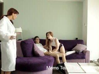 Youporn - anya tanít szex kívánós anya teaches stepdaughter hogyan hogy fuck.mp4