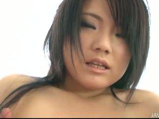 Seksi kanssa povekas aasialaiset tyttö