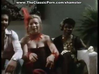 थ्रीसम बकवास चलचित्र के लिए विंटेज लॅडीस