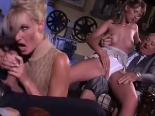 Seks orgie in italiaans stijl video-