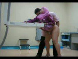 Arab babe i rosa gets henne fitte eaten ut deretter knullet fra bak video