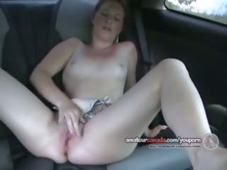 Xe hơi ghế sau thiếu niên orgasms stripping off bikini