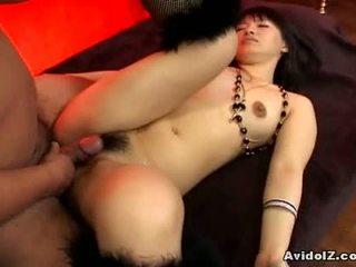 Akane ozora gets både av henne holes fucked1