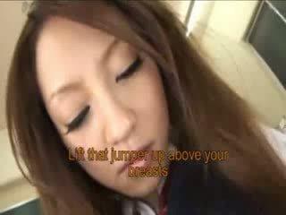 Ιαπωνικό κορίτσι του σχολείου sucks περισσότερο dicks