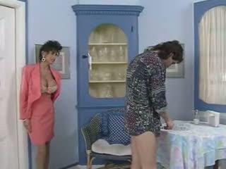 Moster & henne friend's seduction