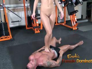 Abbie cat tramples në skllav në xhinsa pastaj lakuriq: pd porno b8