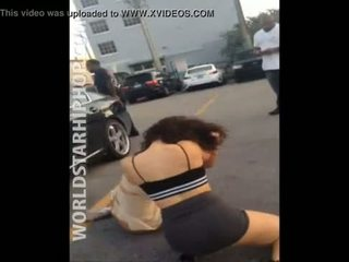 2 Girls with no panties brutal fight