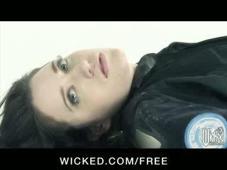 Aiden starr - horizon dvd aina 6 - krūtainas lesbietes ar matainas vāvere finger jāšanās