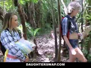 Daughterswap- rallig daughters fick väter auf camping reise <span class=duration>- 10 min</span>