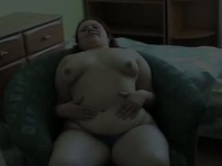 Chubby girl toying her hungry pussy