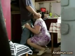 Thick mėgėjiškas arab pupytė gets pakliuvom