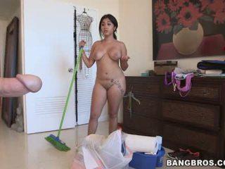 Angelina a ラティナ メイド やる クリーニング 裸