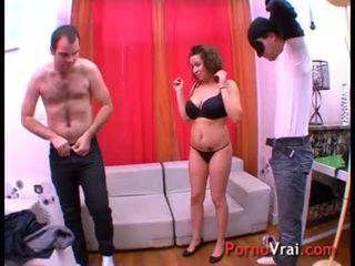 Arab nurse wants to get fucked by 2 guy! French amateur