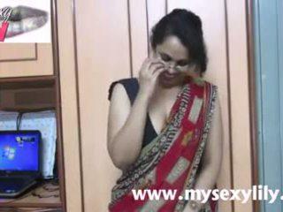 Indian gagica lily sex invatatoare