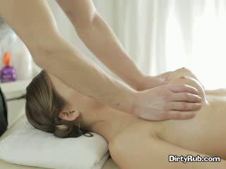 Секс crazed adelle needs жорсткий пеніс в її рот