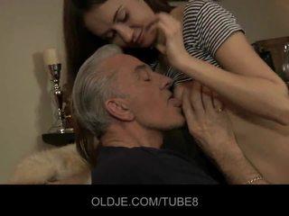 Teeny gagica having anal sex cu vechi guy