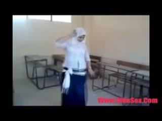 Arab egypte dance 在 學校