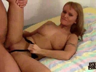 HOMEMADE SEXY ASS GIRLFRIEND FUCKS HER BOYFRIEND !