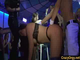 Kuuma tytöt mennä villi kanssa male strippers sisään nightnight yö klubi