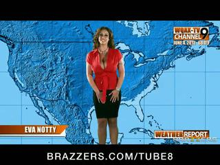 Bigboobed възбуден weather момиче eva notty fucks тя новини producer