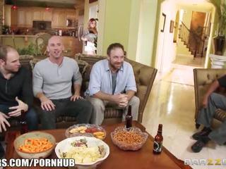 Brazzers - payton west cuckolds suo marito - porno video 481