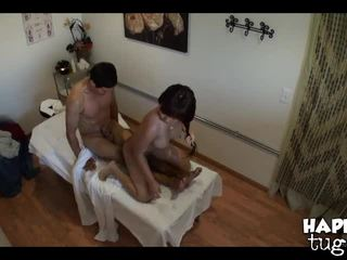 brunette, huile, salle de massage