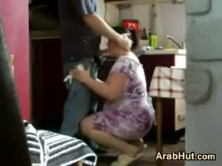 Thick amateur arab chavala gets follada