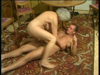 सेक्सी साथ हॉर्नी grannies वीडियो