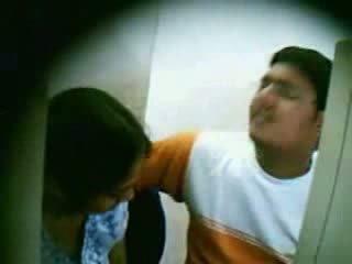 Spycam catches mėgėjiškas jaunas indiškas pora dulkinimasis video