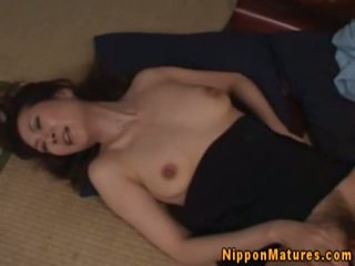 Japonais asiatique maman getting oralsex