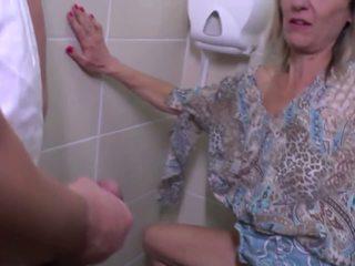 Pissing và thô quái với trưởng thành mẹ: miễn phí độ nét cao khiêu dâm e4