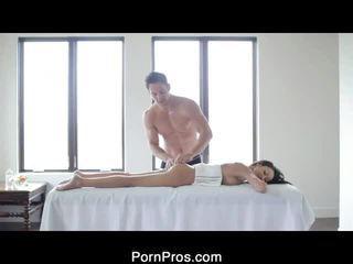 Sexy breanne oily masáž