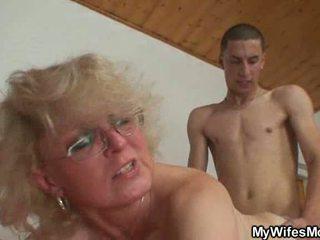 Seks głodny mama wants pieprzyć z chap