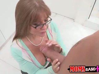 Seksi büyük ğöğüslü taşaklar darla crane gets onu anne becerdin