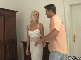 Viņš knew ka viņa draudzene ir a jāšanās palaistuve