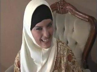 Arab muslim mit schön titten gets gefickt doggy stil